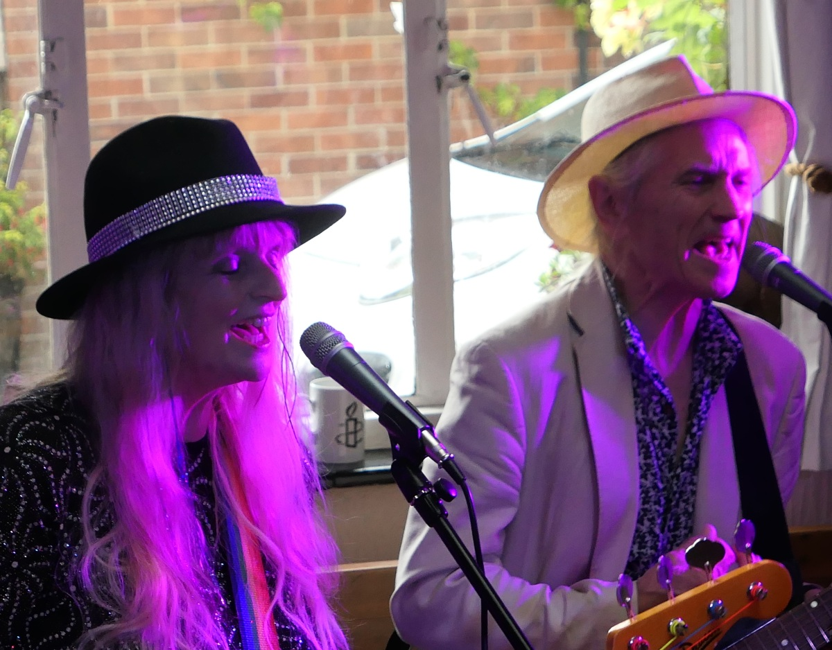 REVIEW – Lark In The Park (Hillworth), Kimberley Rew @ The Southgate, Eddie Witcomb@ White Bear, Devizes