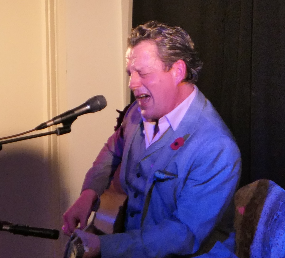 REVIEW – Ian Siegel Unplugged @ Long Street Blues Club, Devizes – Friday 8th November2019