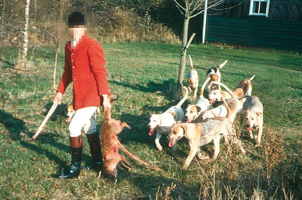 Fox Hunters Ignore Restrictions For Boxing DayHunts