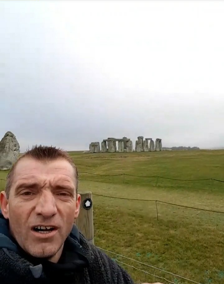Stonehenge or Bust; Duck n Cuvver Scale theFence!