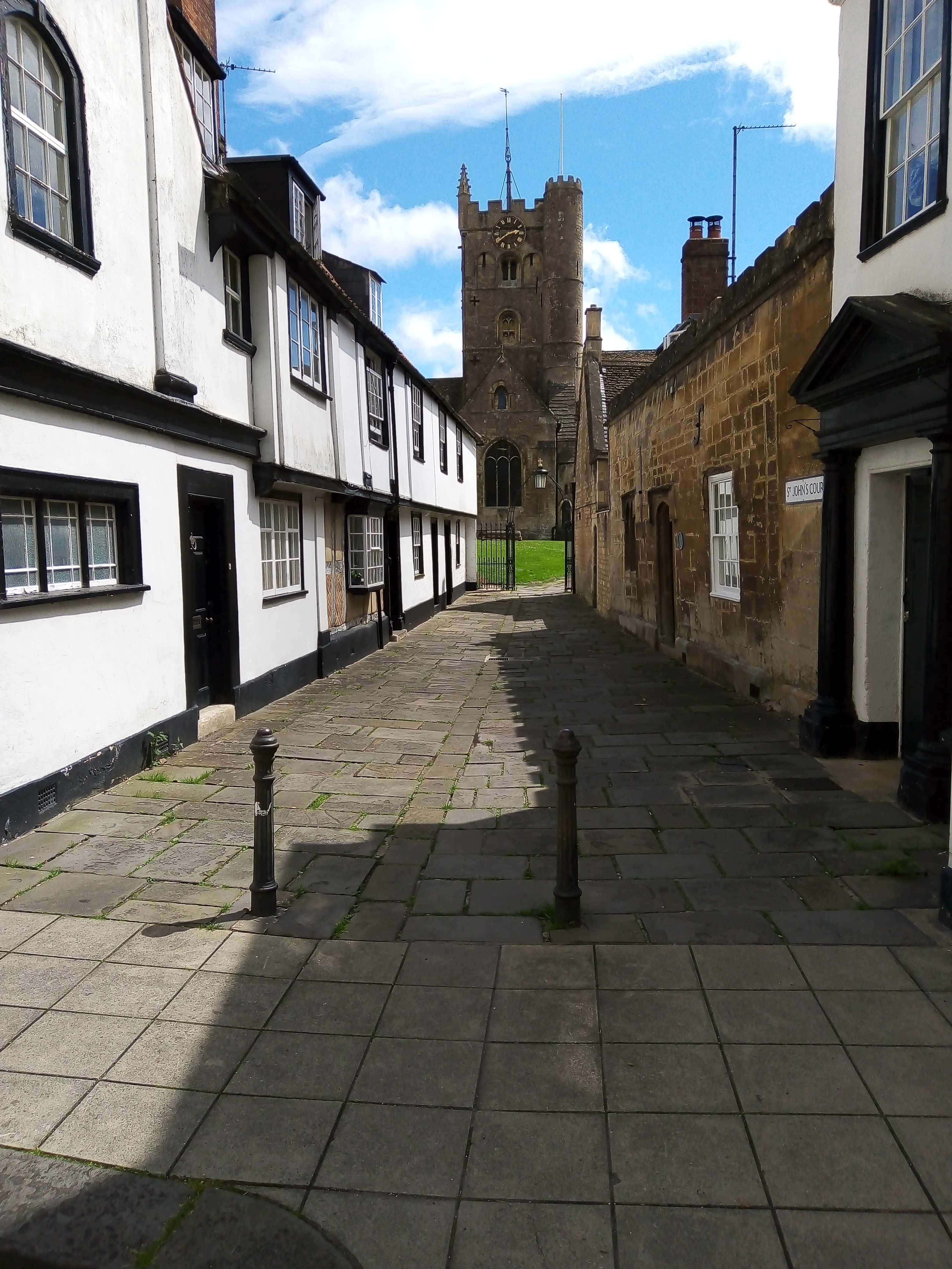 Devizes Medieval Trail: from town centre to Church and from Hanging Grounds to Hillworth Park.